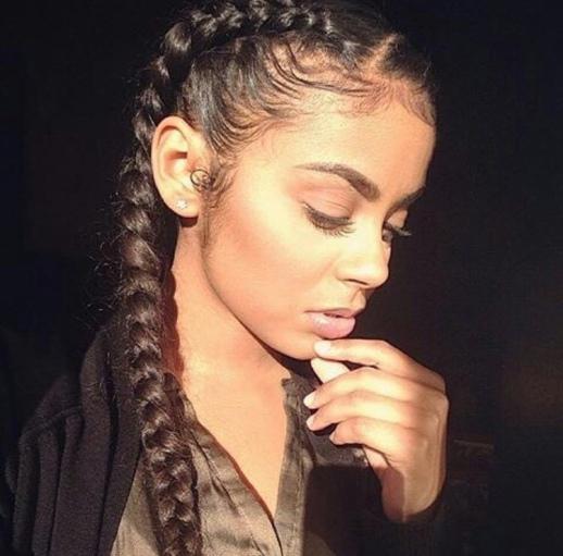 natural looking eyebrows-makeup-beauty