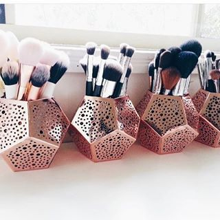 Chic Makeup Storage Ideas