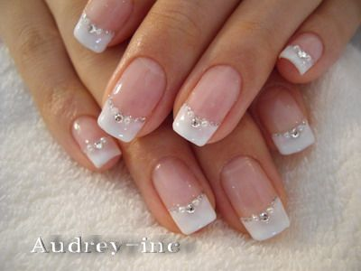Embellished-French-Manicure-Design.jpg